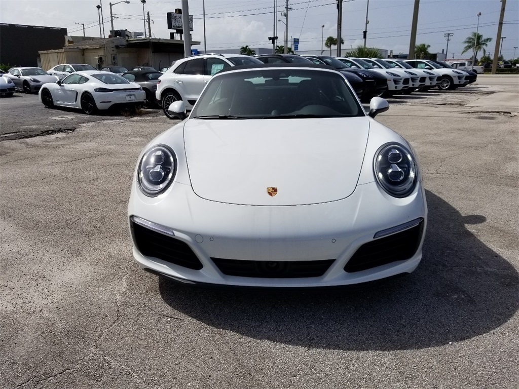 New 2018 Porsche 911 Carrera